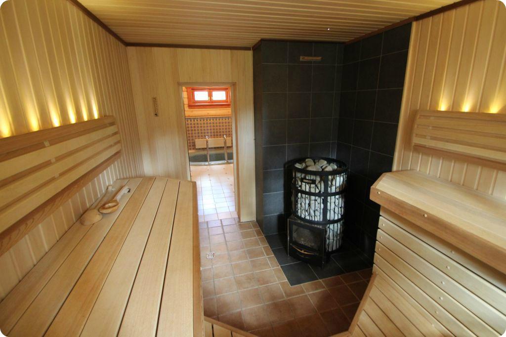 Интерьер бани из бревна внутри фото