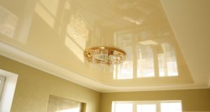 Сатиновые натяжные потолки для оформления квартиры