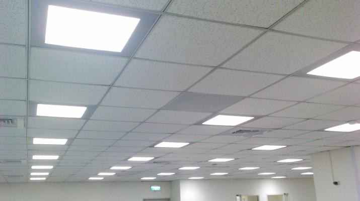 Чем заполнить пустое место на потолке