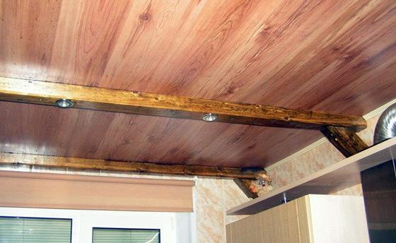 Ламинат на потолок