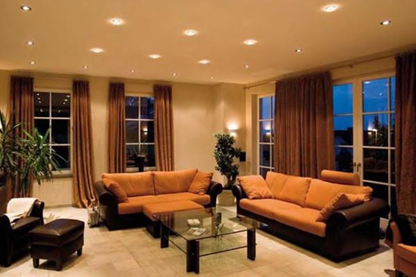 Расположение светильников на натяжном потолке, фото и рекомендации