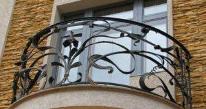 Кованые балконы – их преимущества и особенности
