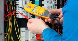 Особенности успешного обращения к электрику