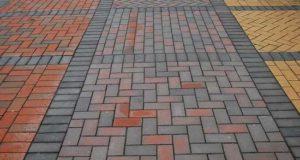 Сделайте жизнь более комфортной – закажите укладку декорированной тротуарной плитки