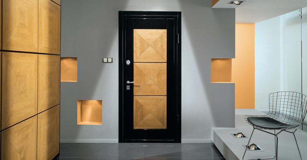 Варианты дизайна входной двери