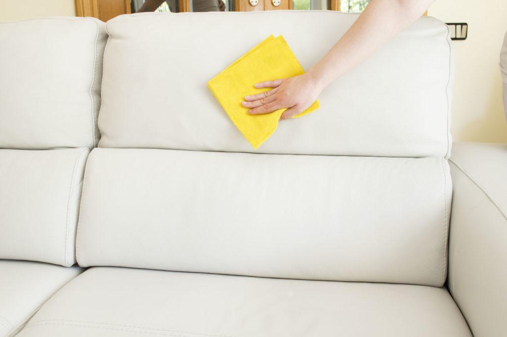 Химчистка мягкой мебели: будет ли результат?