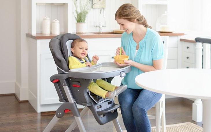 Как выбрать удобные стульчики для кормления