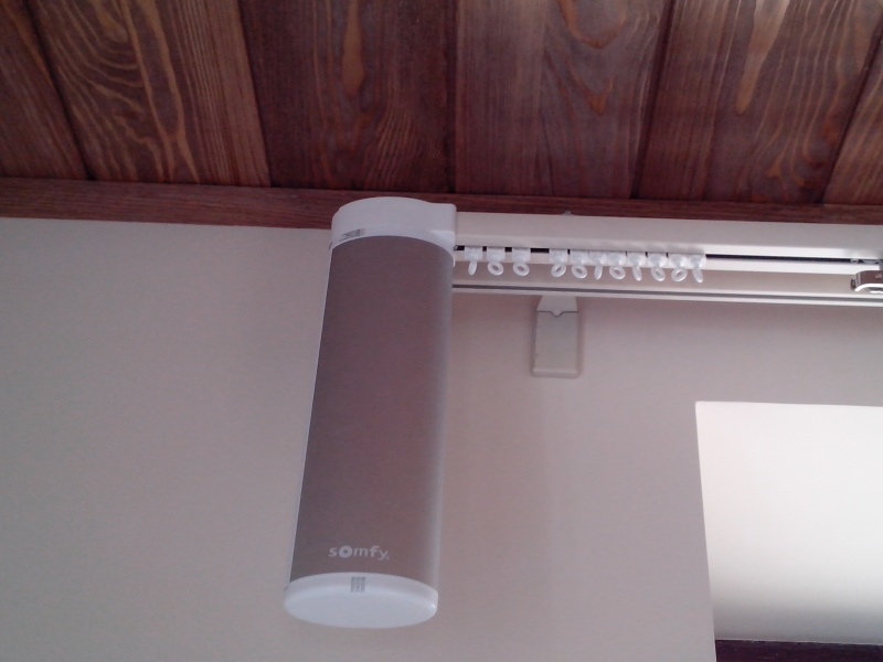 Безупречные электрокарнизы от Somfy Glydea