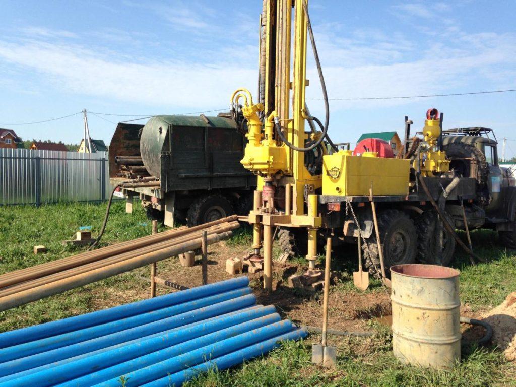 Безопасное бурение скважин без вырубки газонов