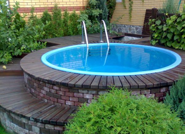 В чем особенность композитного бассейна
