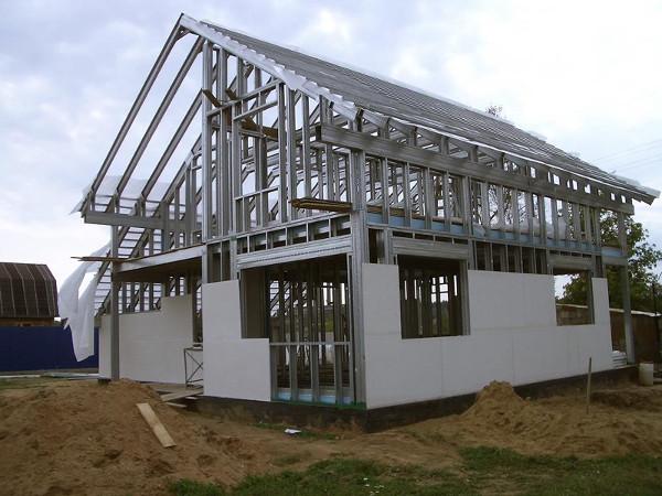 Стальные конструкции для безопасности дома.
