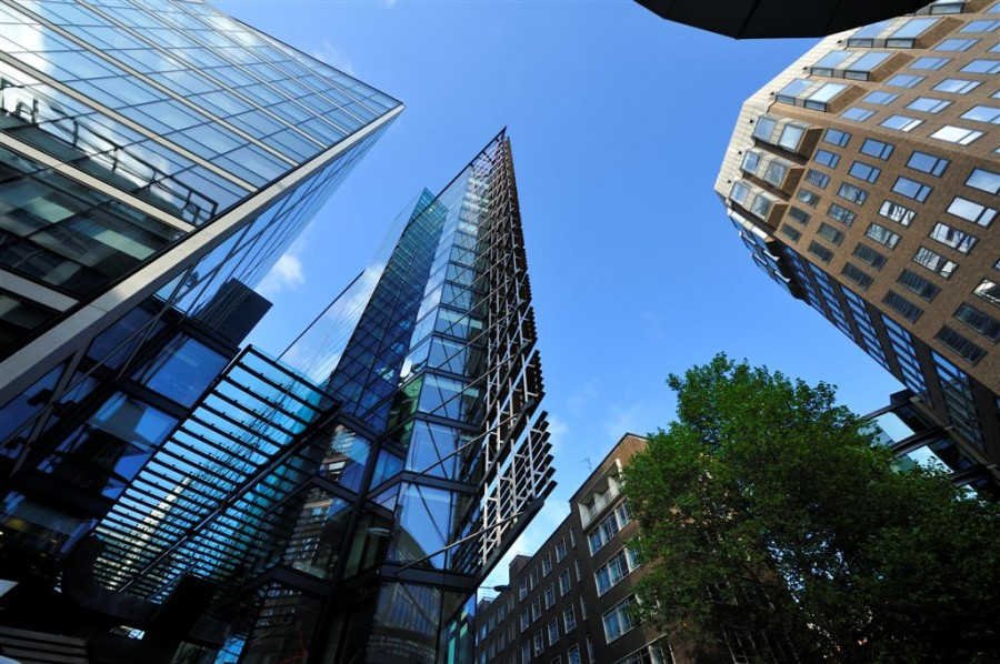 Что выгоднее – арендовать или покупать коммерческую недвижимость
