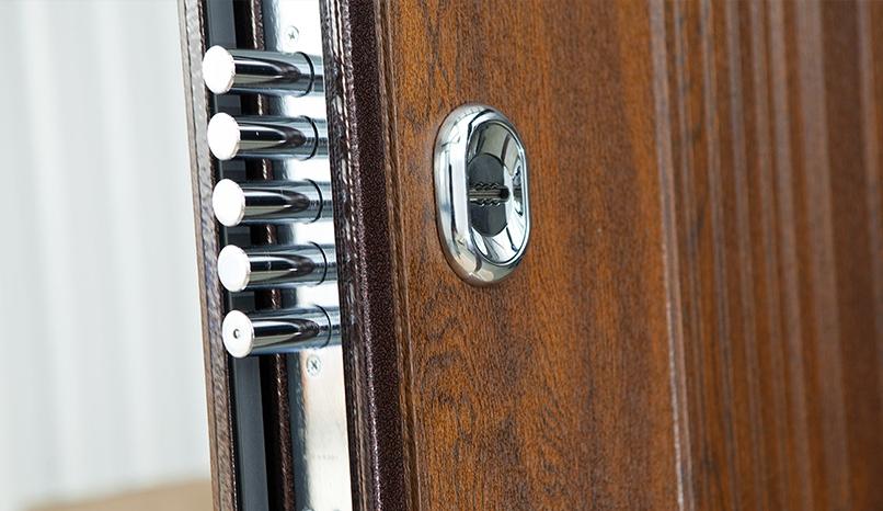 Как заменить замок в металлической двери своими руками