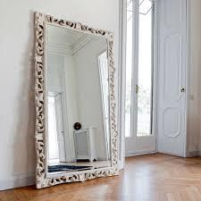 Оригинальные и стильные зеркала для оформления интерьера
