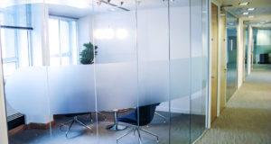 Все что нужно знать об офисных перегородках