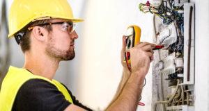 Профессиональная помощь электрика – выполнить работы по дому просто